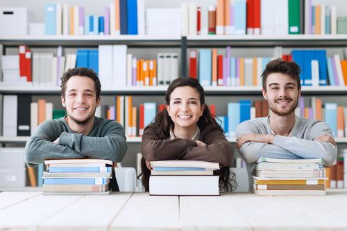 美国读研究生的费用是多少
