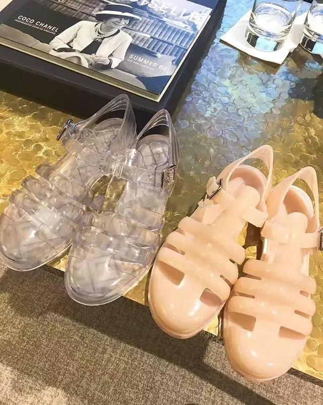 香奈儿凉鞋.jpg